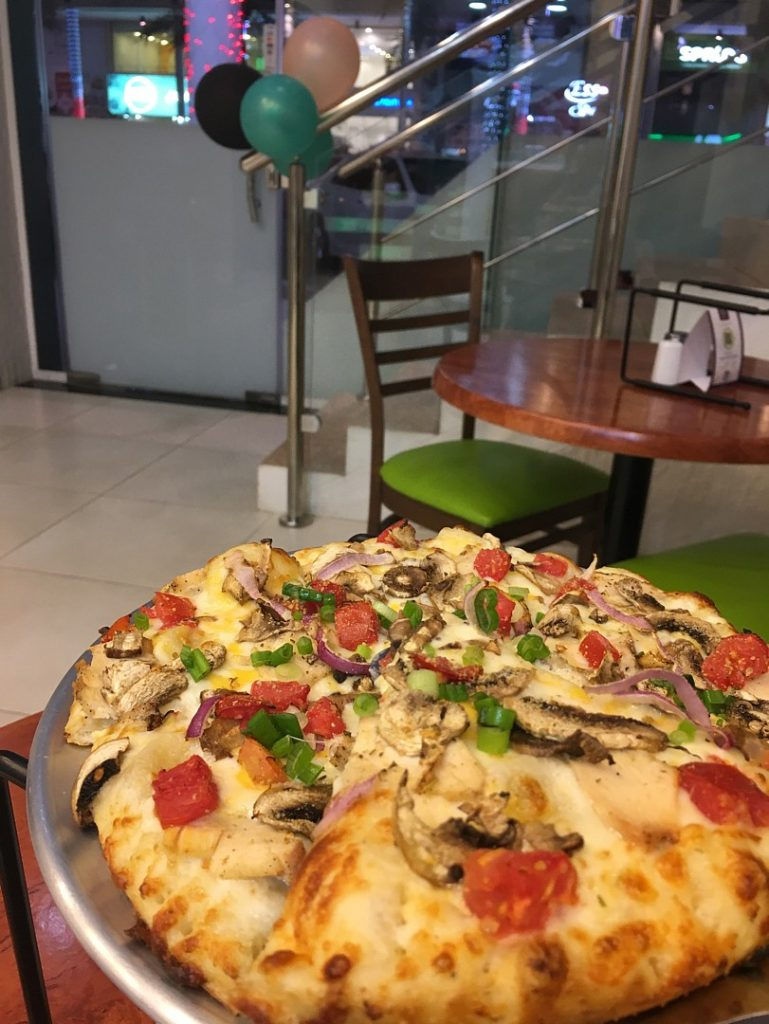 Bahrain 39 s best pizzas bahrain101 for Table 5 pizza